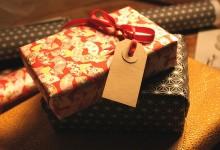8 Tips To Saving Money This Holiday Season