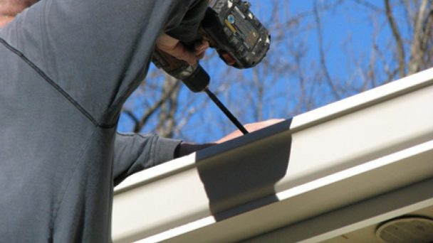 5 Benefits Of Hiring Commercial Gutter Repair Companies