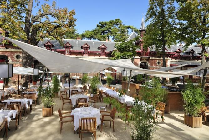 Designing An Al Fresco Dining Area In A Restaurant