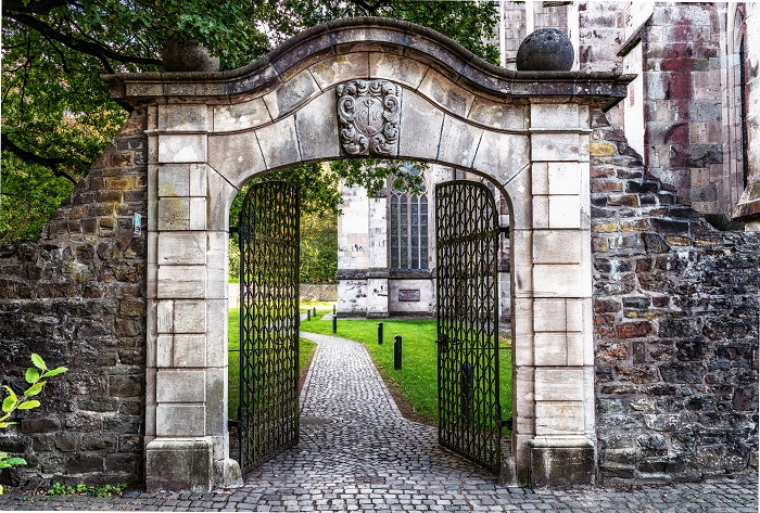 Fences and Gates: 5 Great Ways To Secure Your Home